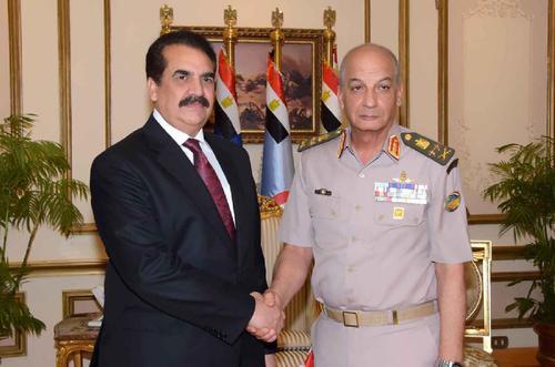 Lieutenant General Mohamed Zaki, Commander-in-Chief of the Armed Forces, Minister of Defense and Military Production, meets the military commander of the Islamic Military Coalition to Combat Terrorism
